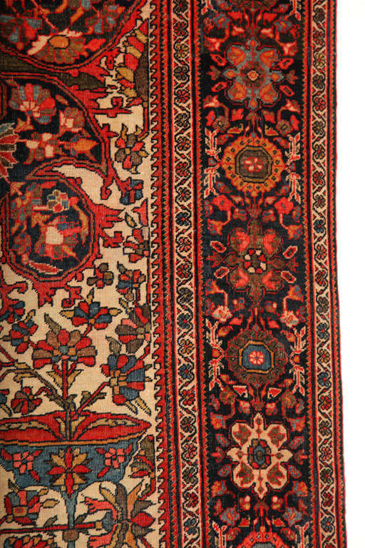 1890 Persian Fereghan Rug with Handspun Wool and Organic Vegetable Dyes For Sale 2