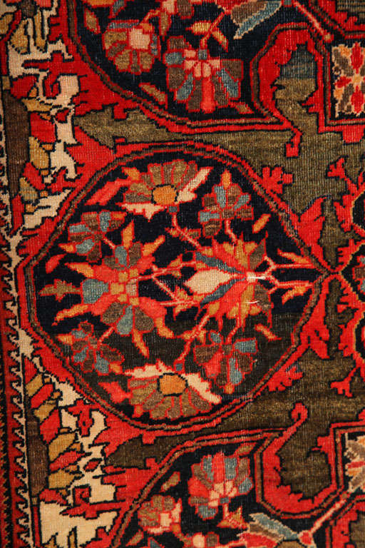 1890 Persian Fereghan Rug with Handspun Wool and Organic Vegetable Dyes For Sale 3