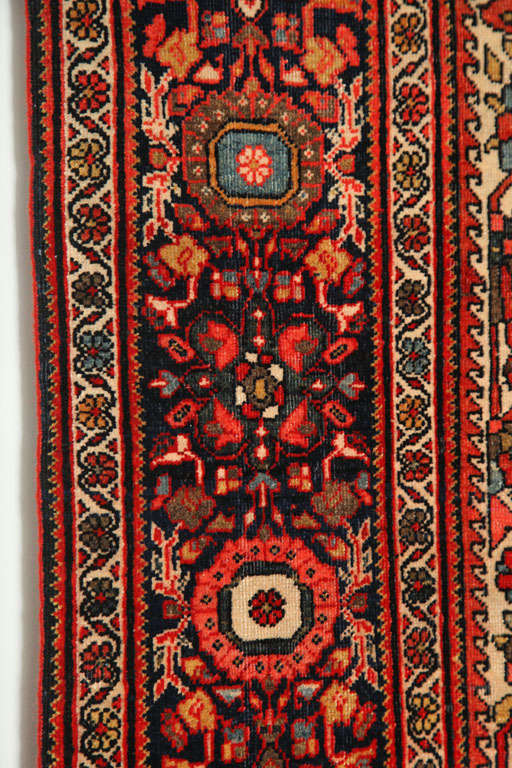 1890 Persian Fereghan Rug with Handspun Wool and Organic Vegetable Dyes For Sale 4