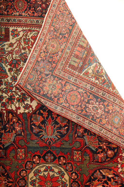 1890 Persian Fereghan Rug with Handspun Wool and Organic Vegetable Dyes For Sale 5