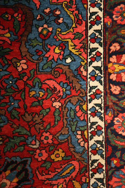 1920 Bibibaft Bakhtiari Carpet with Pure Wool Pile and Organic Vegetal Dyes For Sale 2