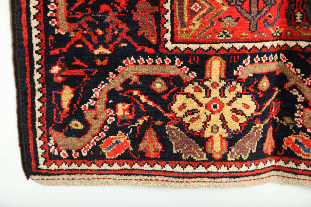 1900-1910 Persian Mishan Malayer Rug with Handspun Wool and Organic Vegetal Dyes For Sale 4