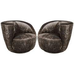 Sculptural Pair of Midcentury Nautilus Swivel Chairs by Vladimir Kagan