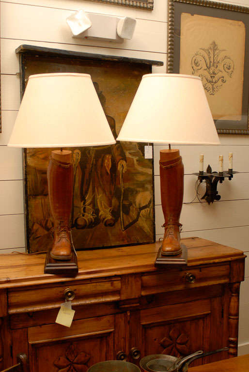 20th Century Pair of Vintage English Brown Leather Riding Boots Mounted as Table Lamps For Sale