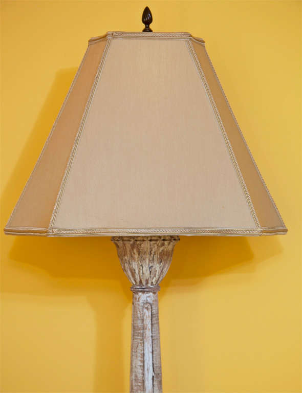 Hand-Carved Pair of Carved and Painted Wooden Italian Lamps For Sale