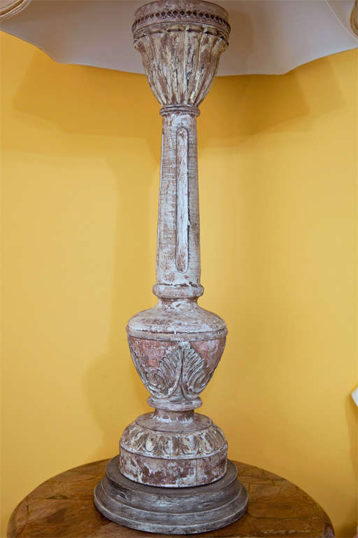 20th Century Pair of Carved and Painted Wooden Italian Lamps For Sale