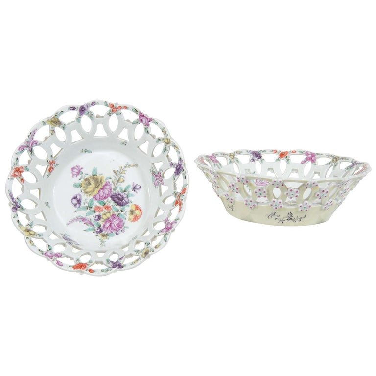 Pair First Period Worcester Soft Paste Porcelain Baskets England circa 1770 For Sale