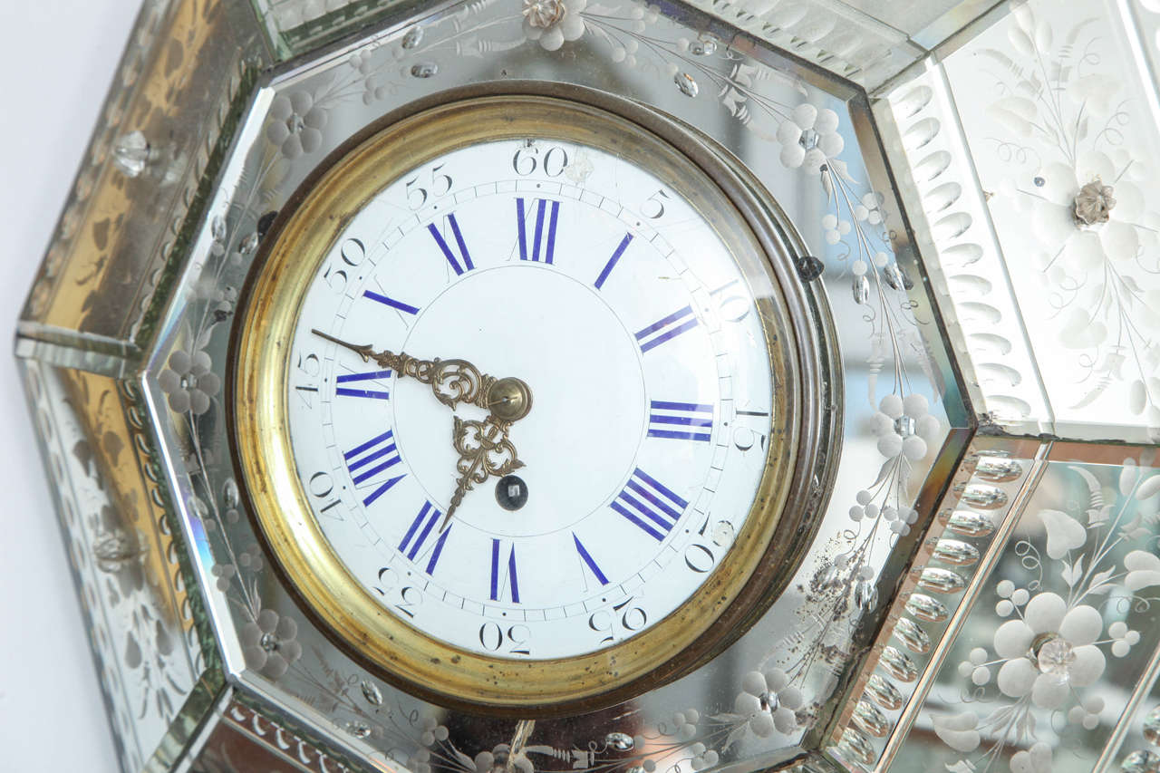 Mirrored Hexagonal Bevelled Floral Etched Clock In Good Condition For Sale In New York, NY