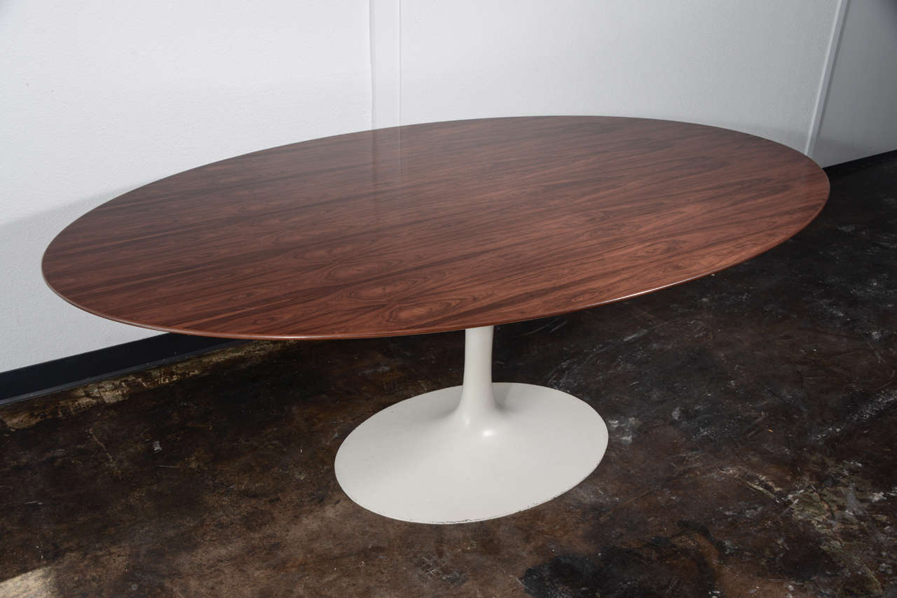 Eero saarinen 78 tulip dining table with brazilian for Tulip dining table