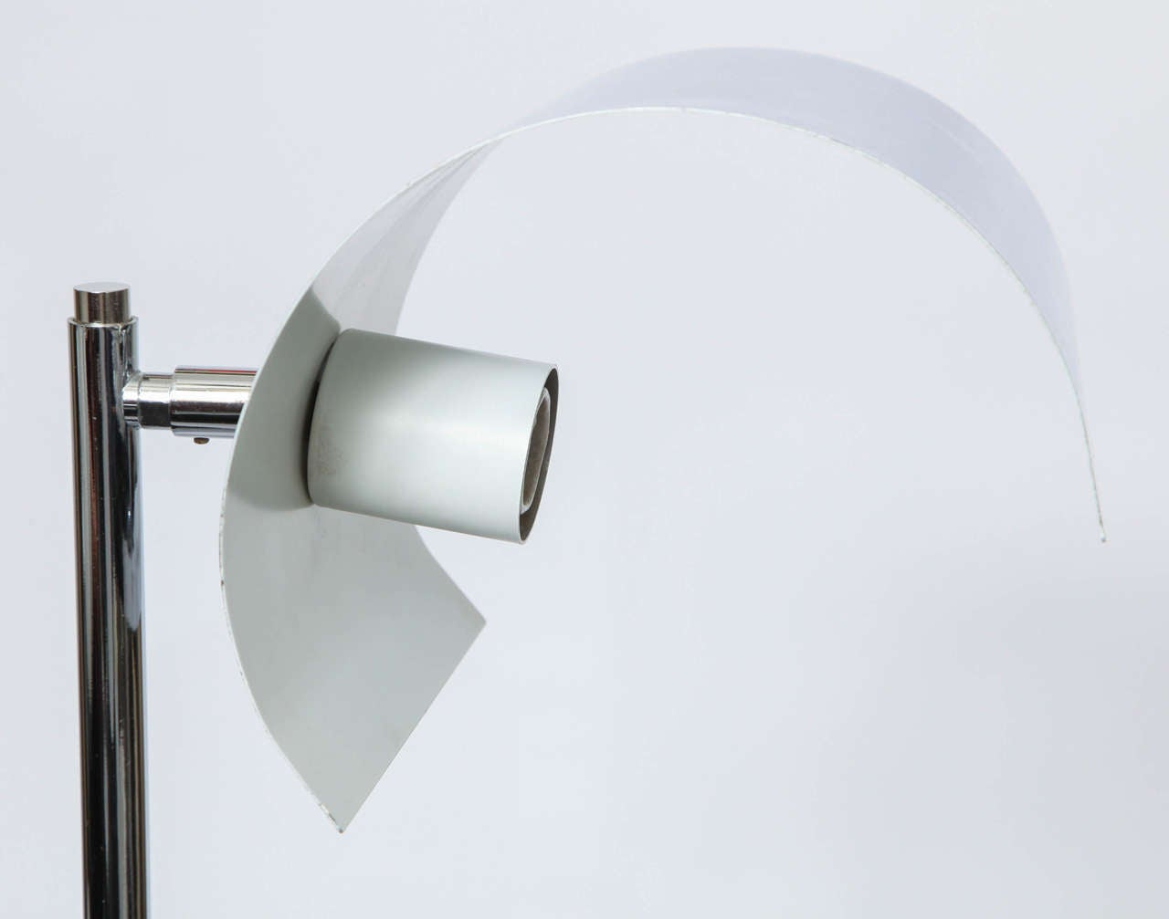 Italian Articulated Floor Lamp For Sale 4