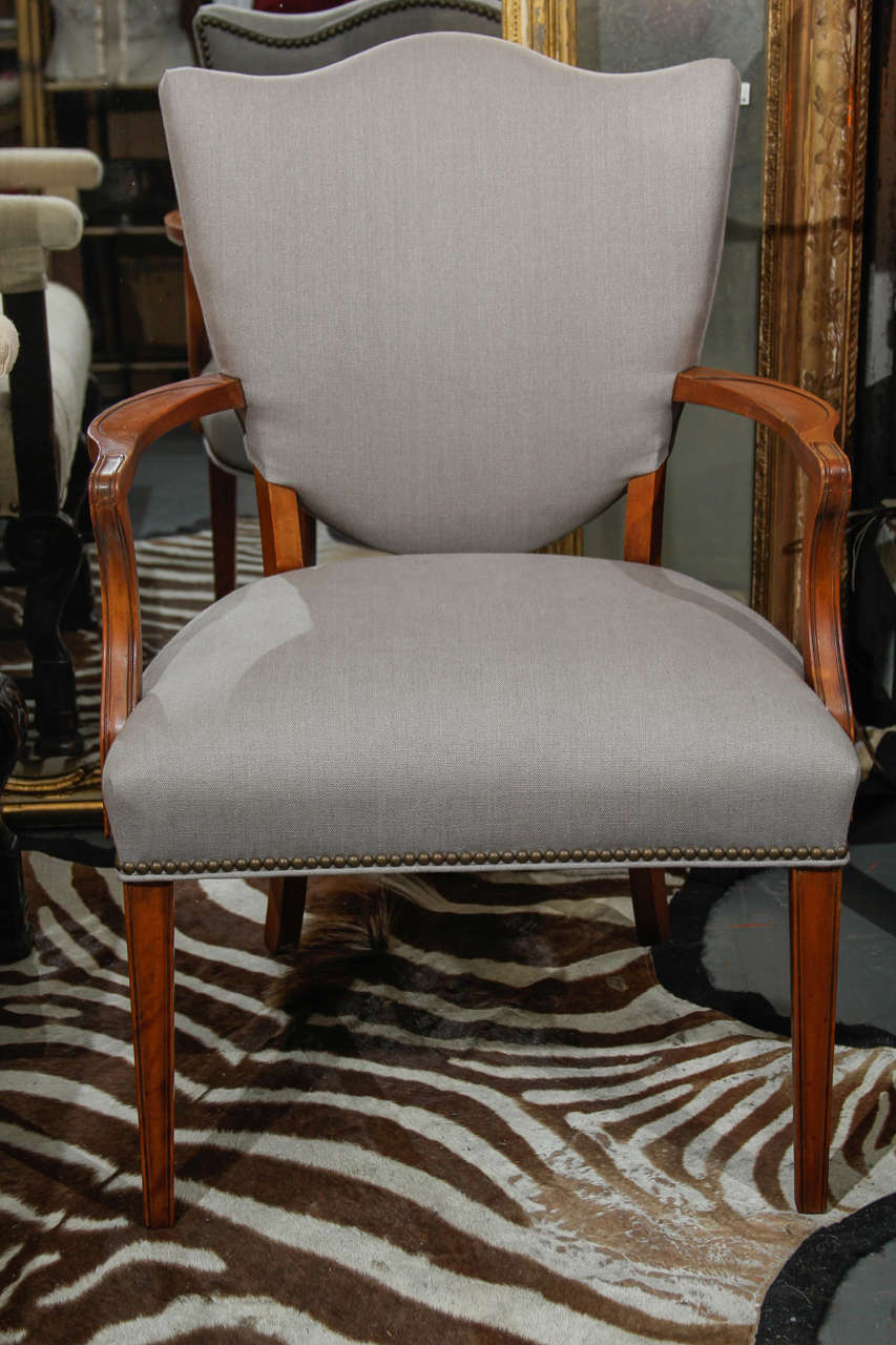 Grey Linen Side Chair In Good Condition For Sale In Seattle, WA