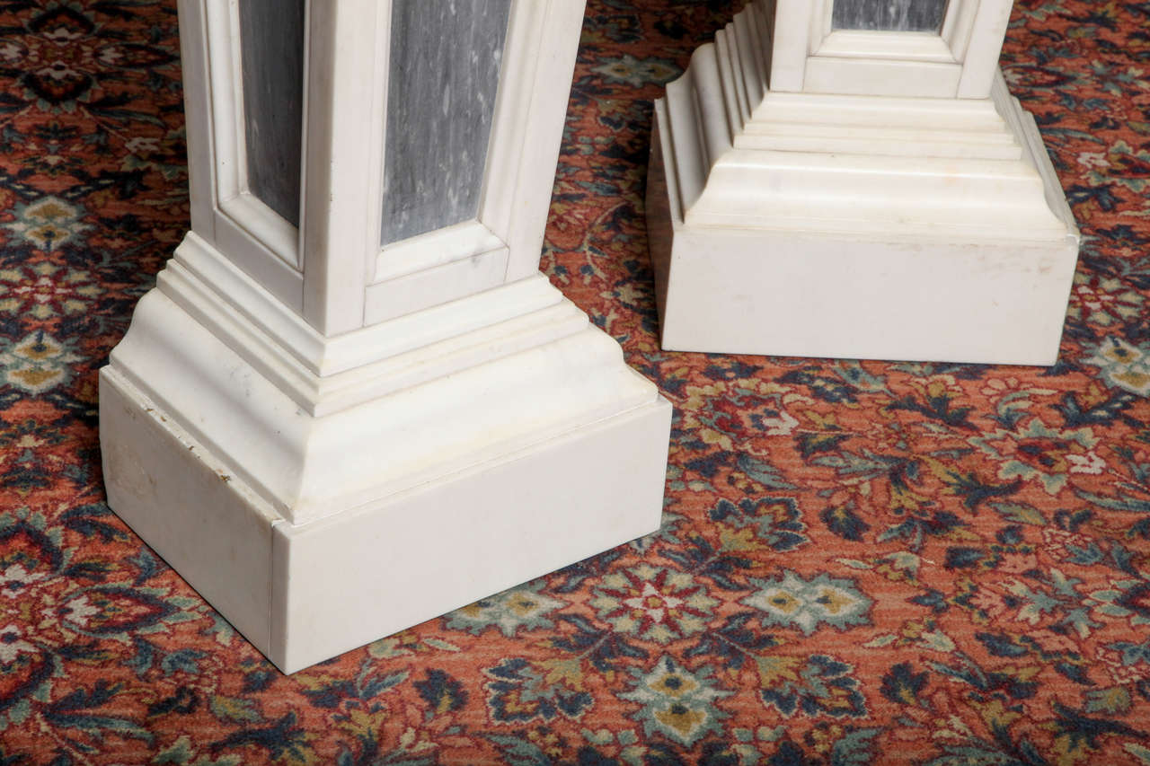 Pair of French Louis XVI Style, Two-Toned Carrera and Grey Marble Pedestals In Good Condition For Sale In New York, NY