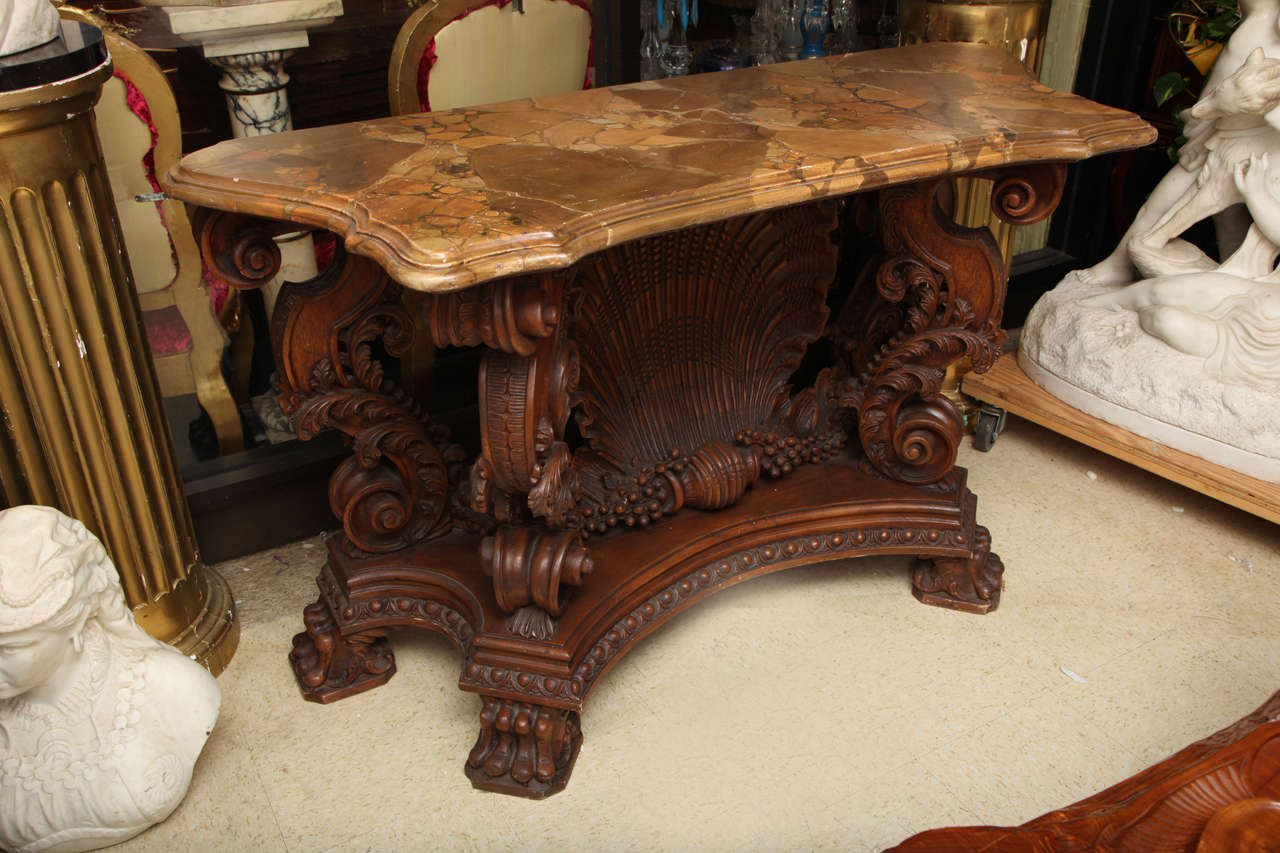 Italian Rococo Style Shell Motif Console In Good Condition For Sale In New York, NY