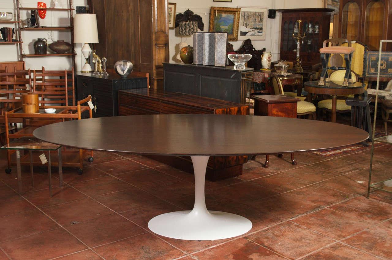 knoll associates eero saarinen walnut oval dining table at