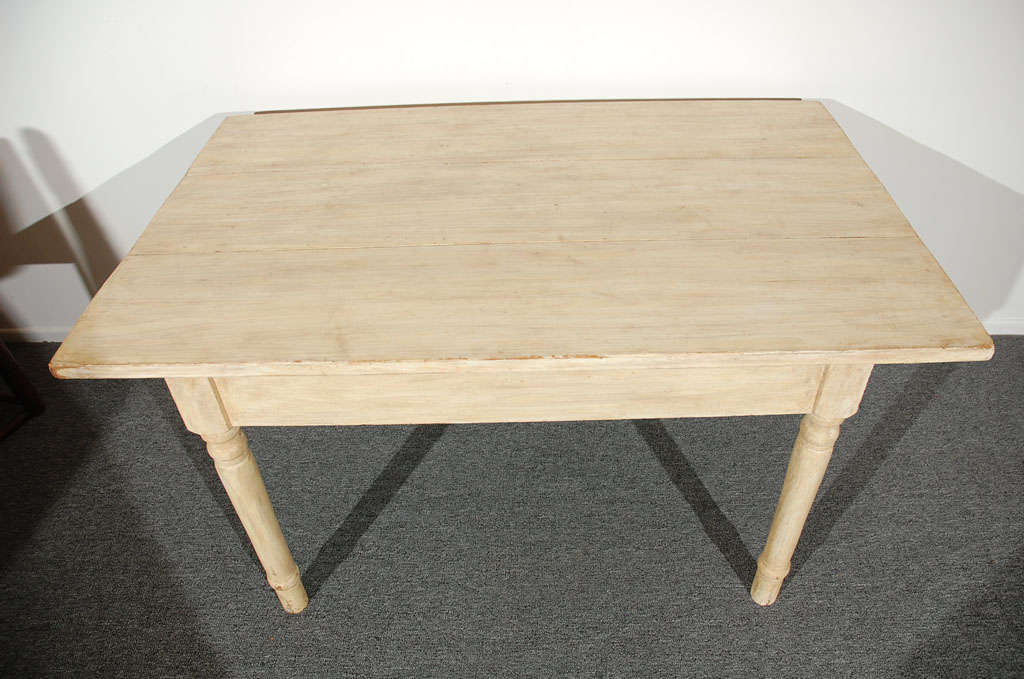 19THC  OYSTER PAINTED/THREE BOARD TOP FARM TABLE image 5