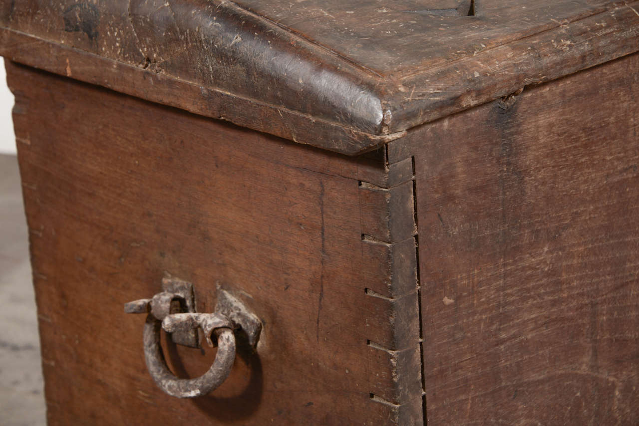 17th Century Spanish Walnut Trunk with Original Hardware For Sale 3