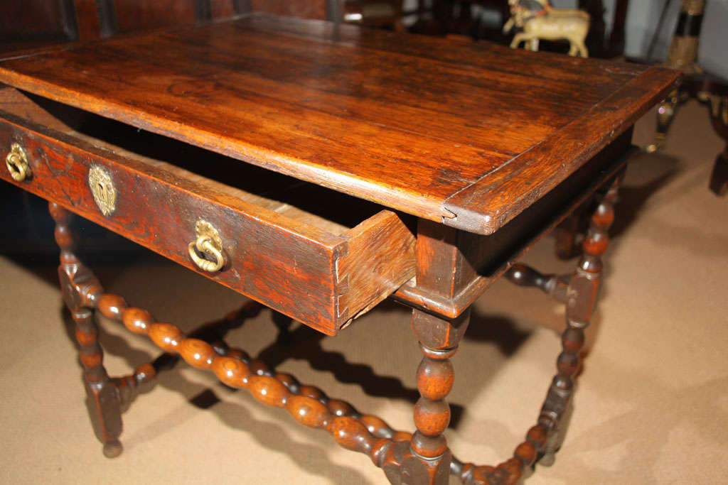 Charles ii period english oak side table at 1stdibs for 1 oak nyc table prices