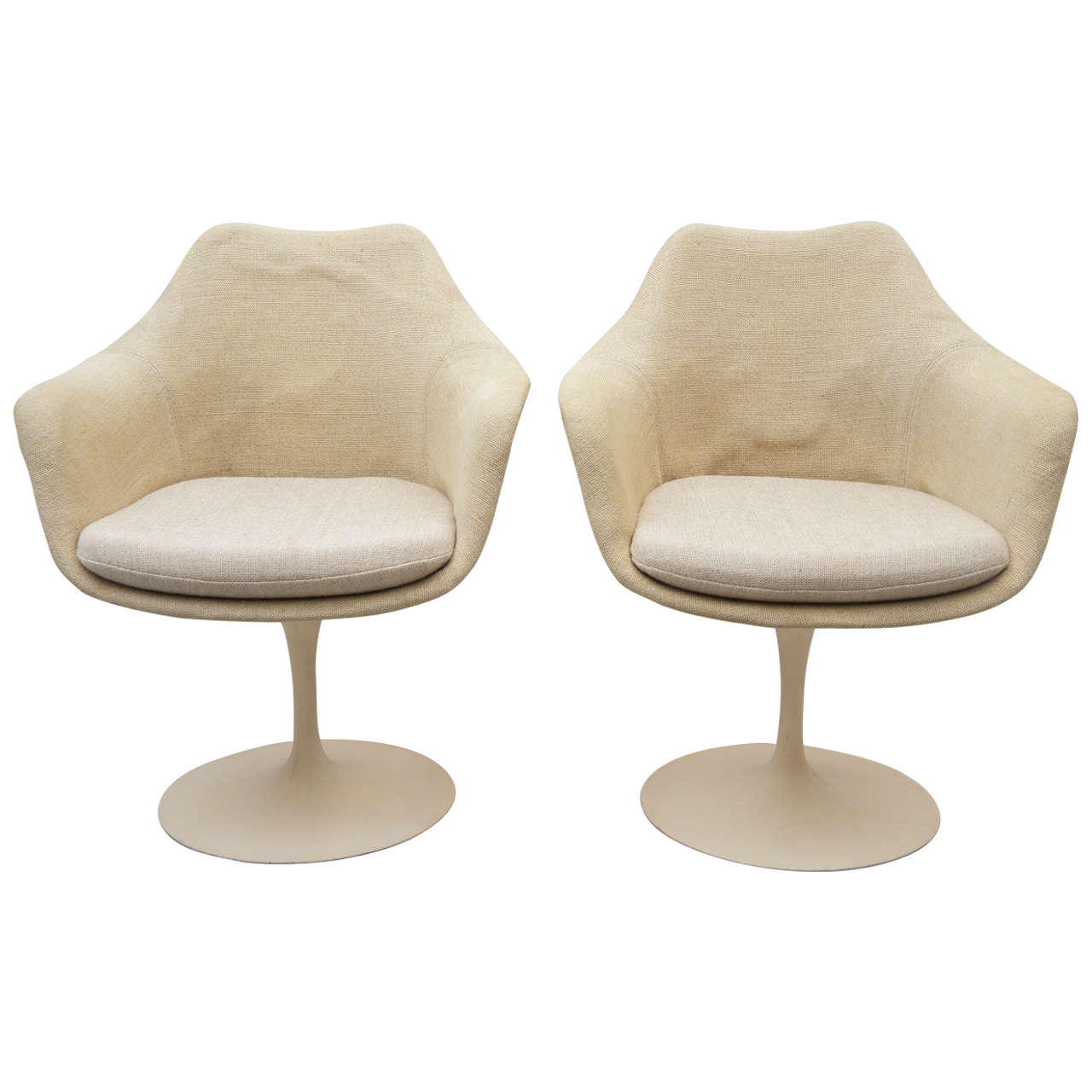 Pair of eero saarinen tulip chairs for knoll at 1stdibs for Eero saarinen tulip armchair