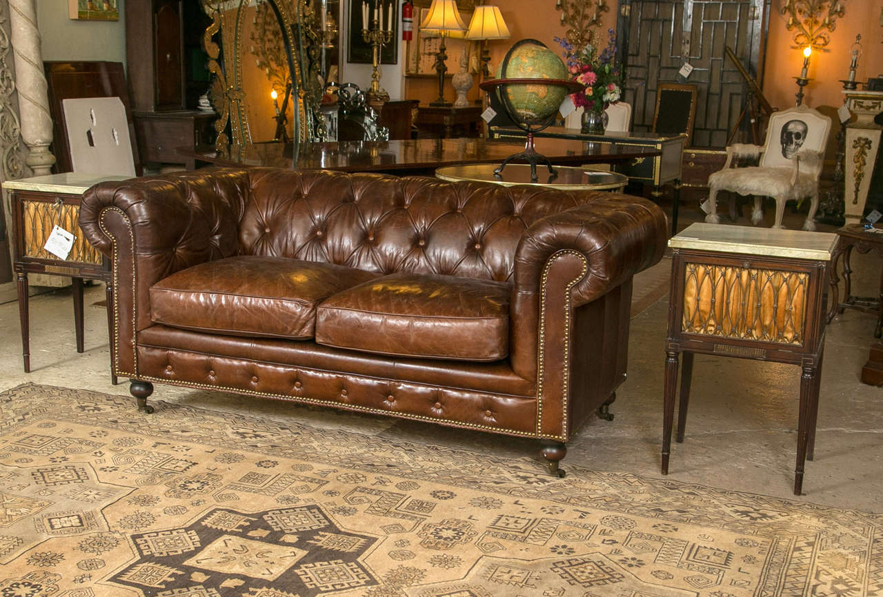 A Pair Of English Georgian Style Chesterfield Sofa Sette At 1stdibs