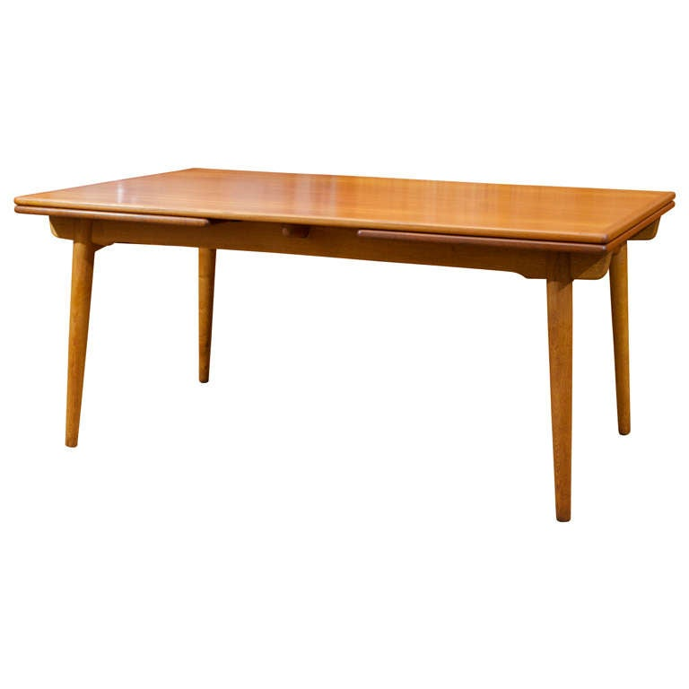 Hans wegner dining table at 1stdibs for Table quiz hannover