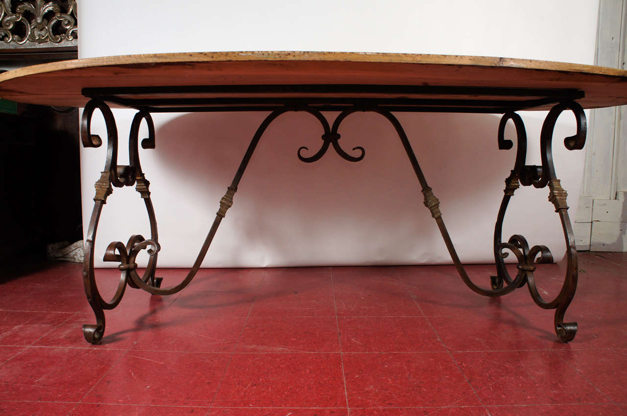 French Oval Metal Base Dining Table In Distressed Condition In Great Barrington, MA
