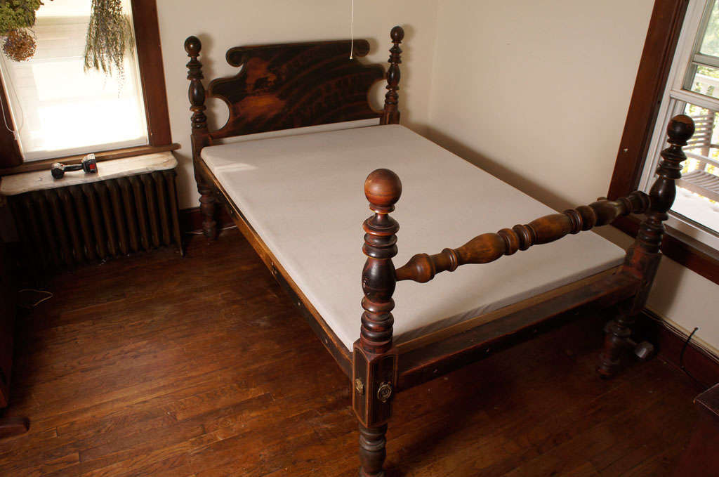 Grain Painted Cannonball Bed image 2