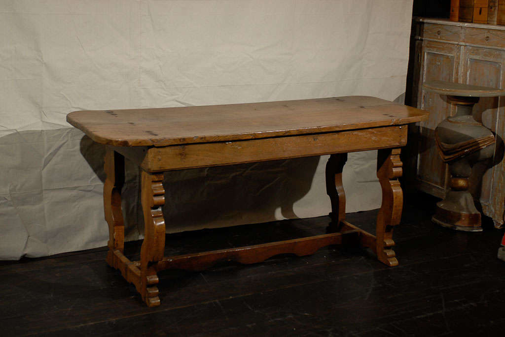 Italian 18th Century Trestle Farm Table with Lyre Shaped Legs For Sale 3