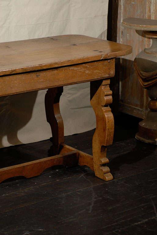 Italian 18th Century Trestle Farm Table with Lyre Shaped Legs In Good Condition For Sale In Atlanta, GA