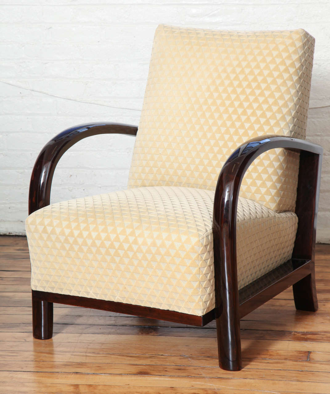 French Elegant Pair of Art Deco Armchairs For Sale