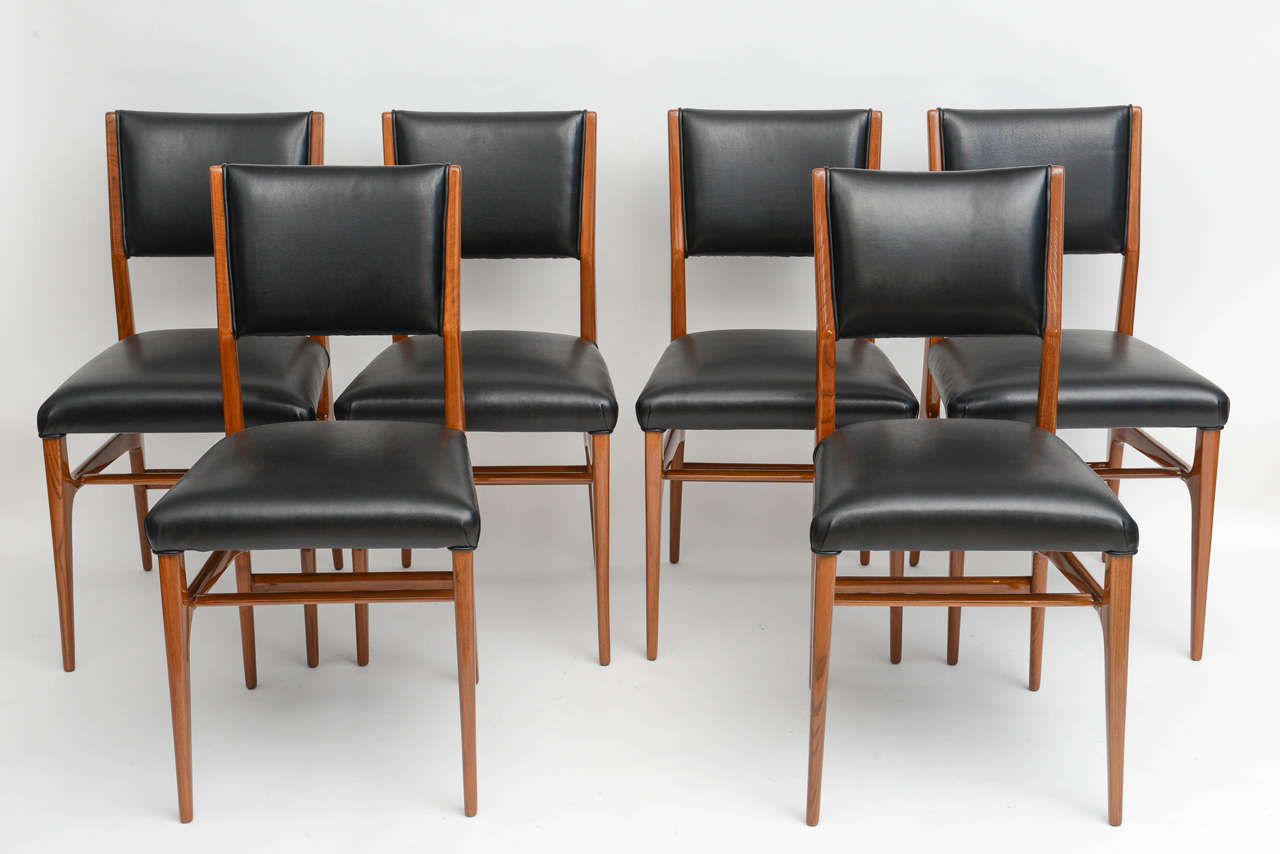 The set comprising two arms and ten sides made for Singer and Sons in 1950.