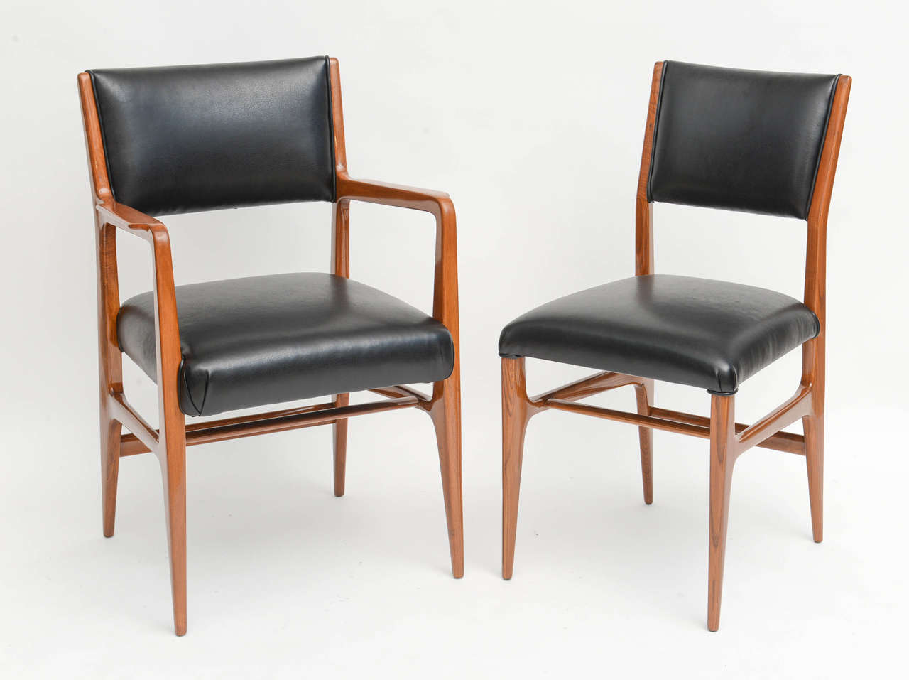 Fine Set of 12 Italian Modern Dining Chairs, Gio Ponti In Excellent Condition For Sale In Miami, FL