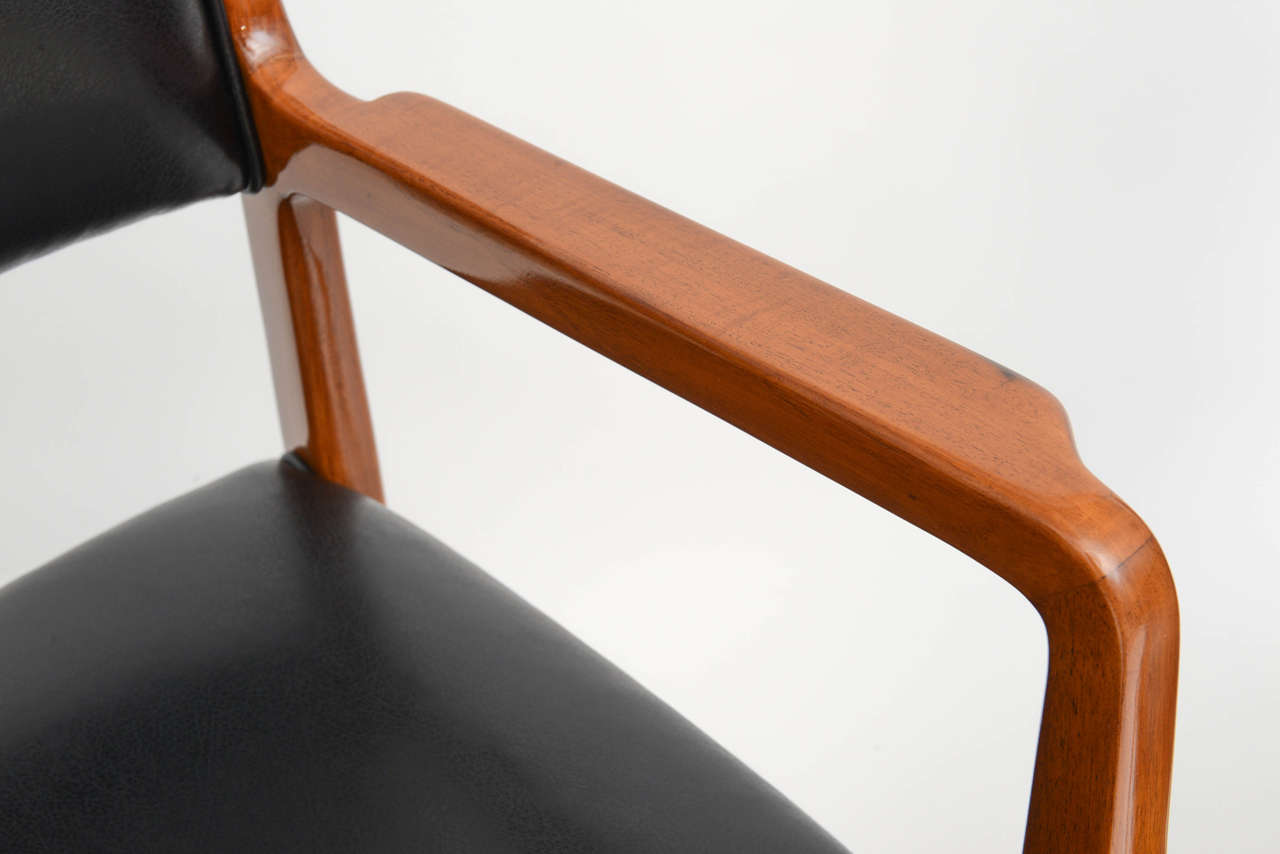 Mid-20th Century Fine Set of 12 Italian Modern Dining Chairs, Gio Ponti For Sale