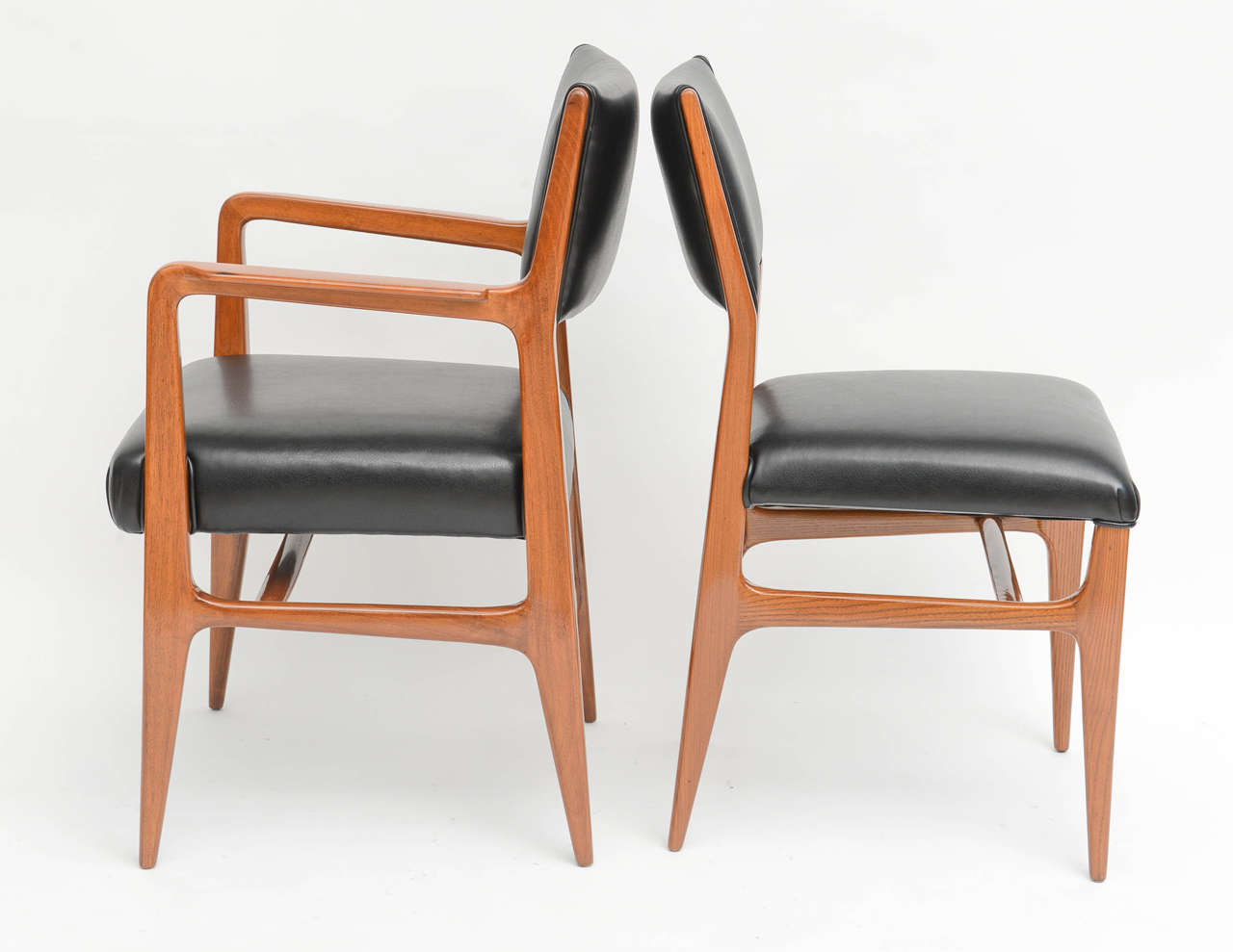 Fine Set of 12 Italian Modern Dining Chairs, Gio Ponti For Sale 1