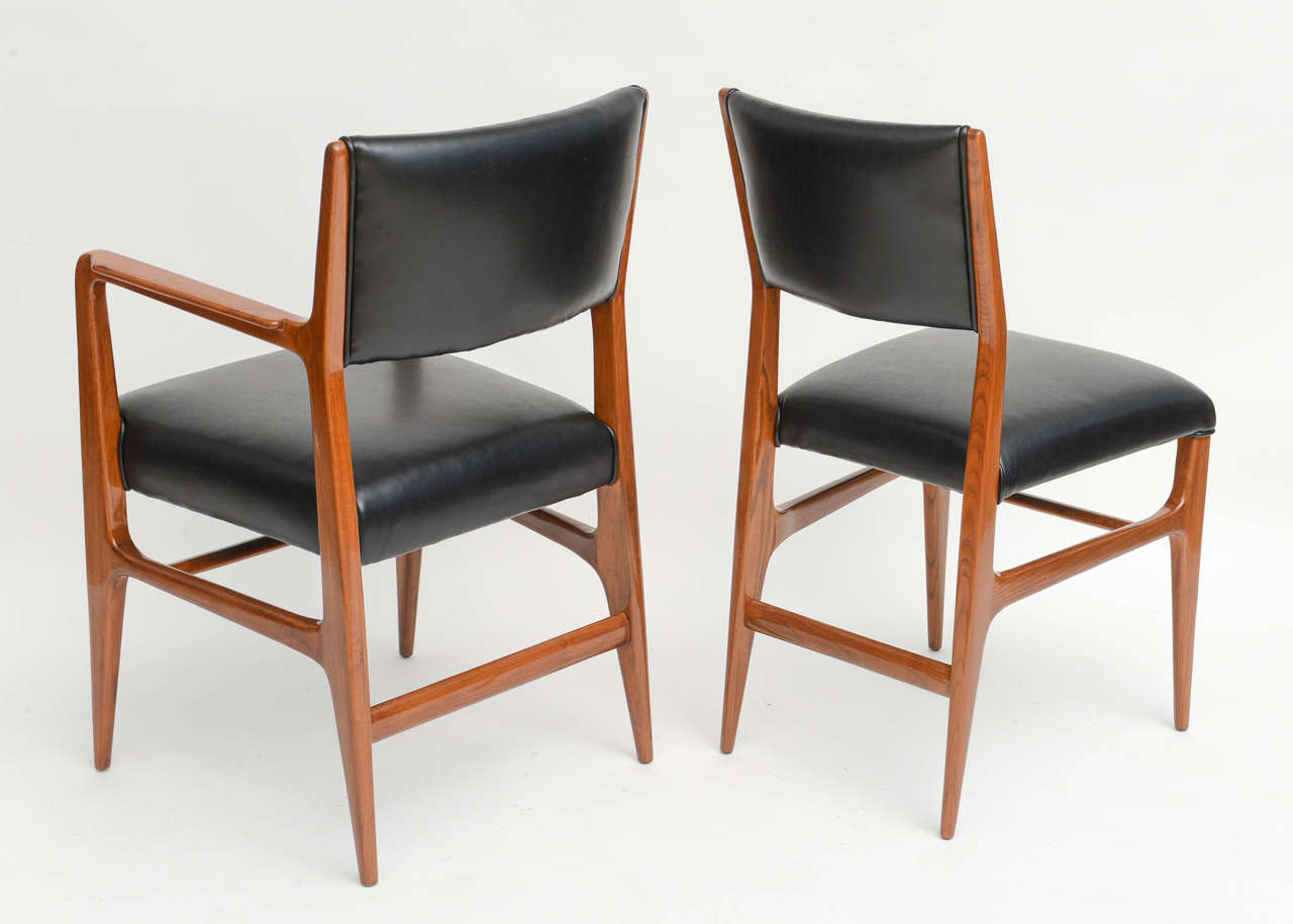 Fine set of 12 italian modern dining chairs gio ponti for for Italian dining chairs modern
