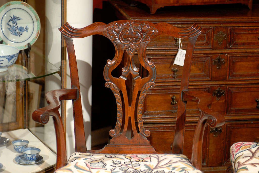 Very Fine Set of Ten English Chippendale Mahogany Dining Chairs 4