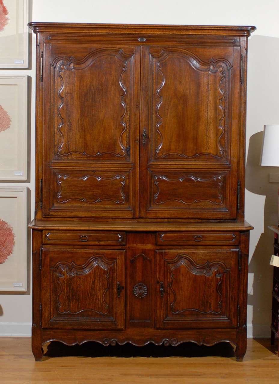 great th century french buffet deux corps with buffet rouge laqu. Black Bedroom Furniture Sets. Home Design Ideas