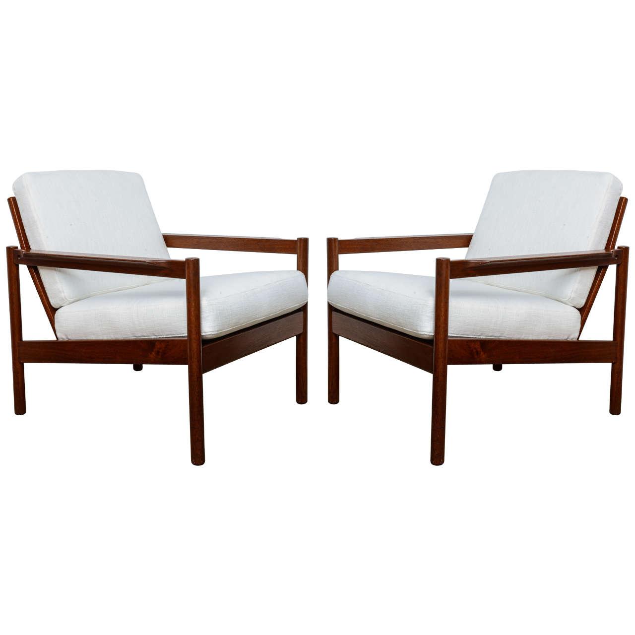 Pair Of Midcentury Modern Teak Danish Chairs At 1stdibs