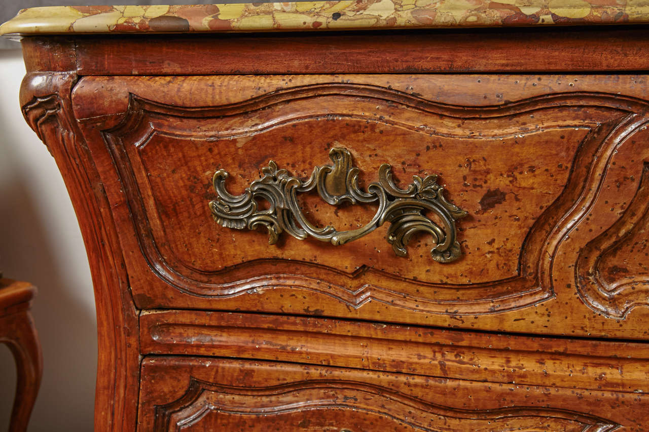 18th Century French, Walnut Marble Top Commode For Sale 2