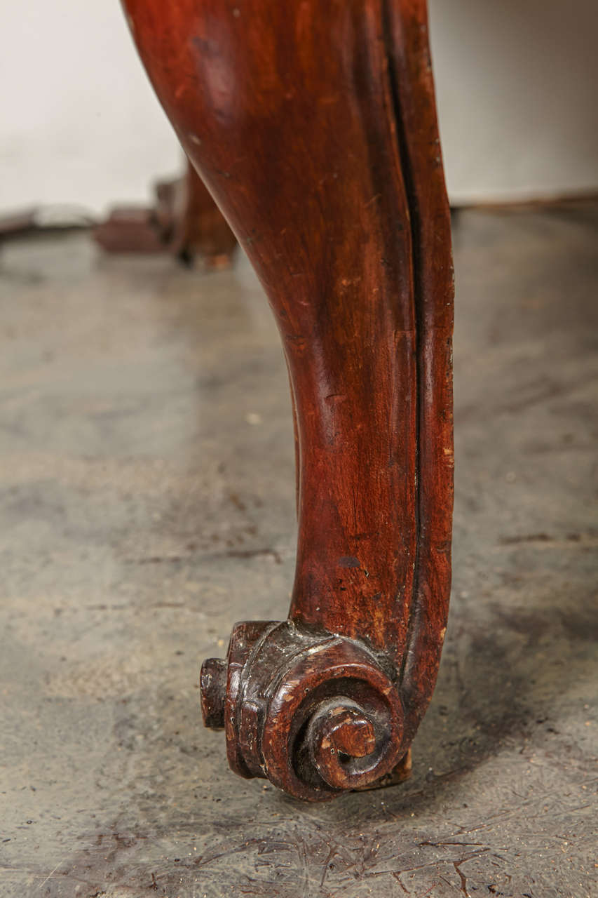 18th Century French, Walnut Marble Top Commode For Sale 4