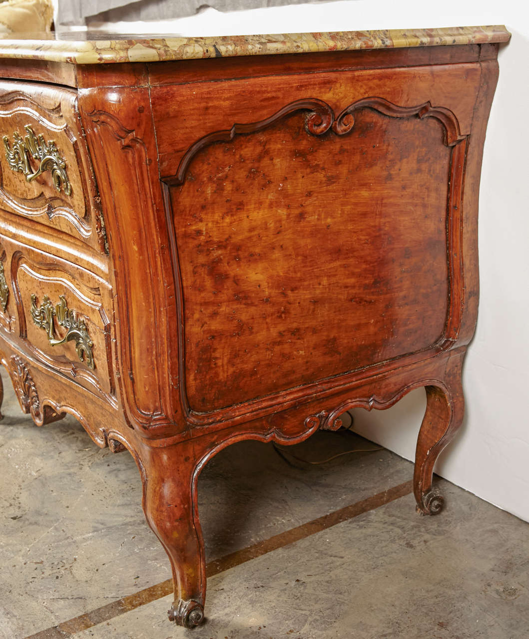 18th Century French, Walnut Marble Top Commode For Sale 5