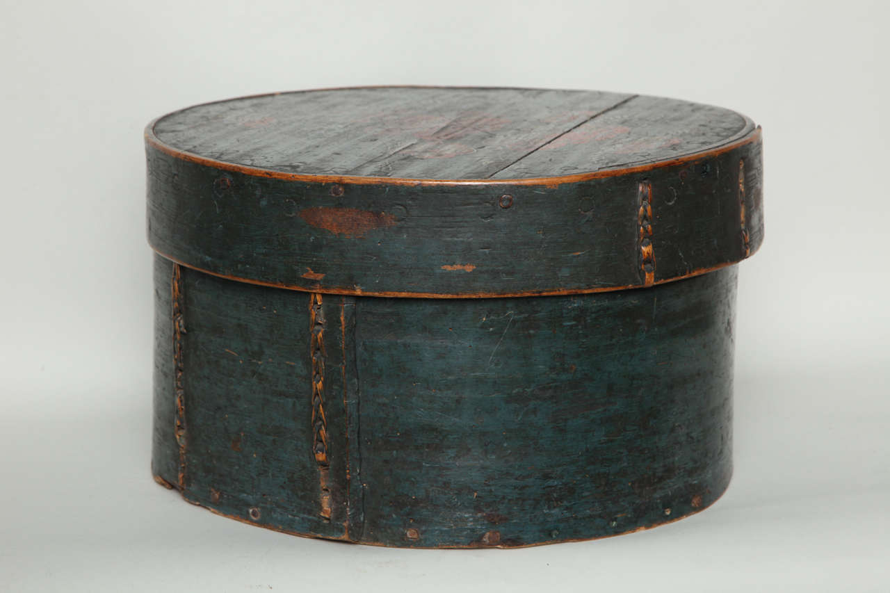 Collection of Three Norwegian Folk Art Boxes For Sale 5