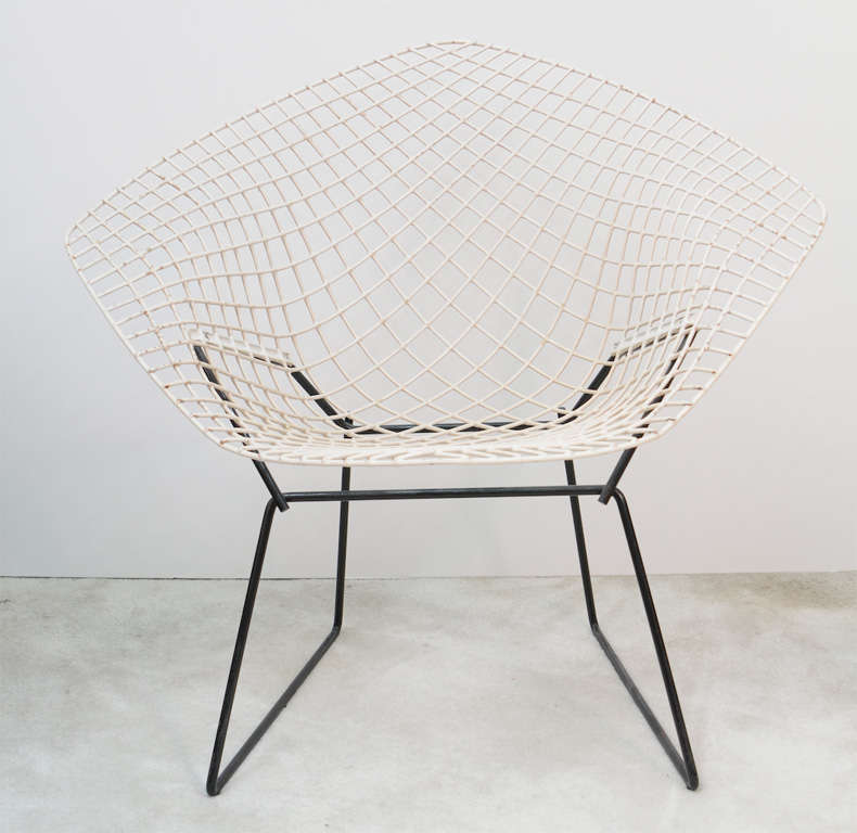 Those Bertoia U0027Diamondu0027 Chairs Are In Fair Vintage Condition. White  Plastified Wire Frame