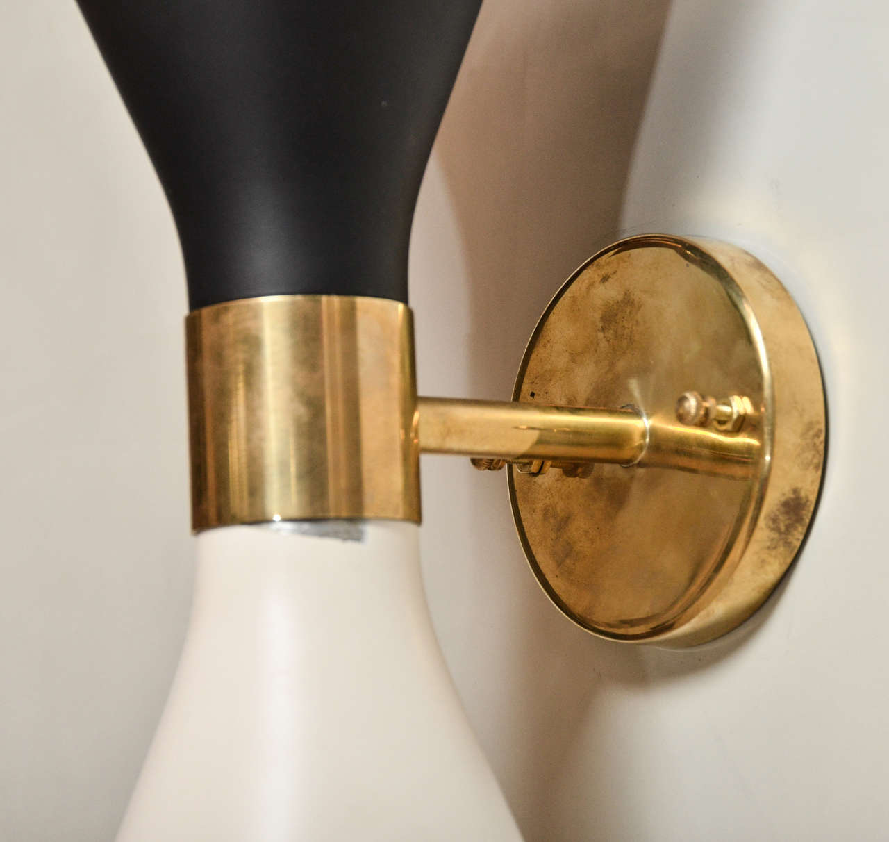 Pair Of Mid-century Italian Black And White Sconces in the style of Stilnovo image 4
