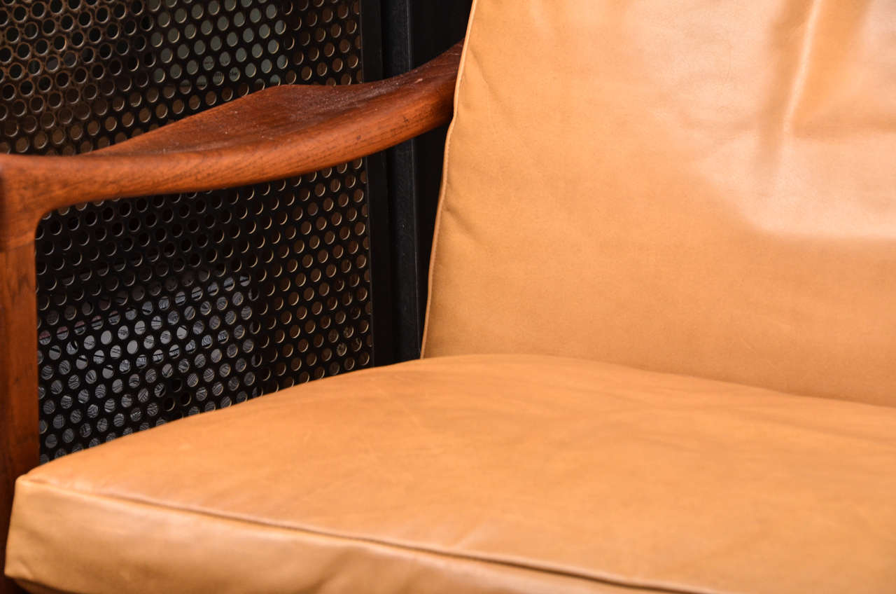 Midcentury Scandinavian Lounge Chair In Good Condition For Sale In Sag Harbor, NY