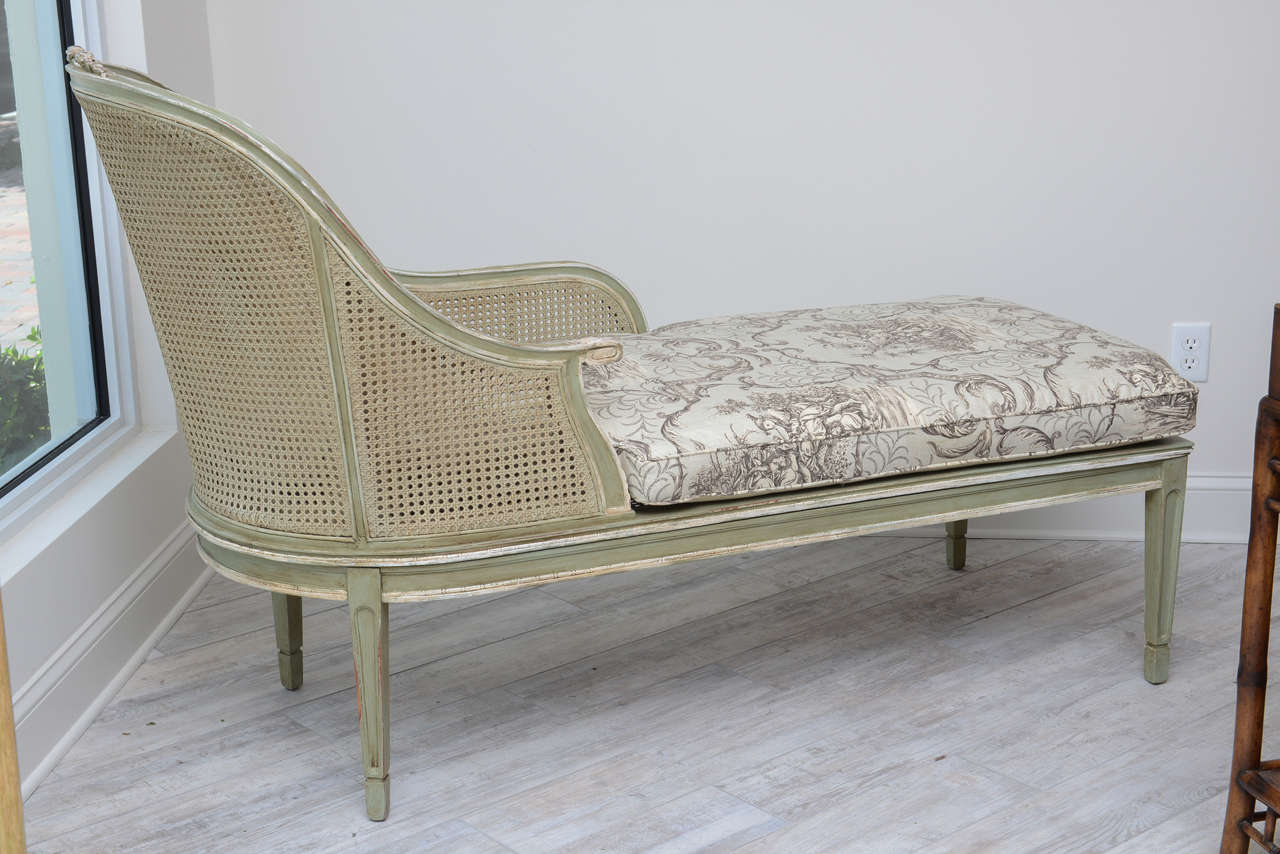 louis xvi style french caned chaise lounge for sale at 1stdibs. Black Bedroom Furniture Sets. Home Design Ideas