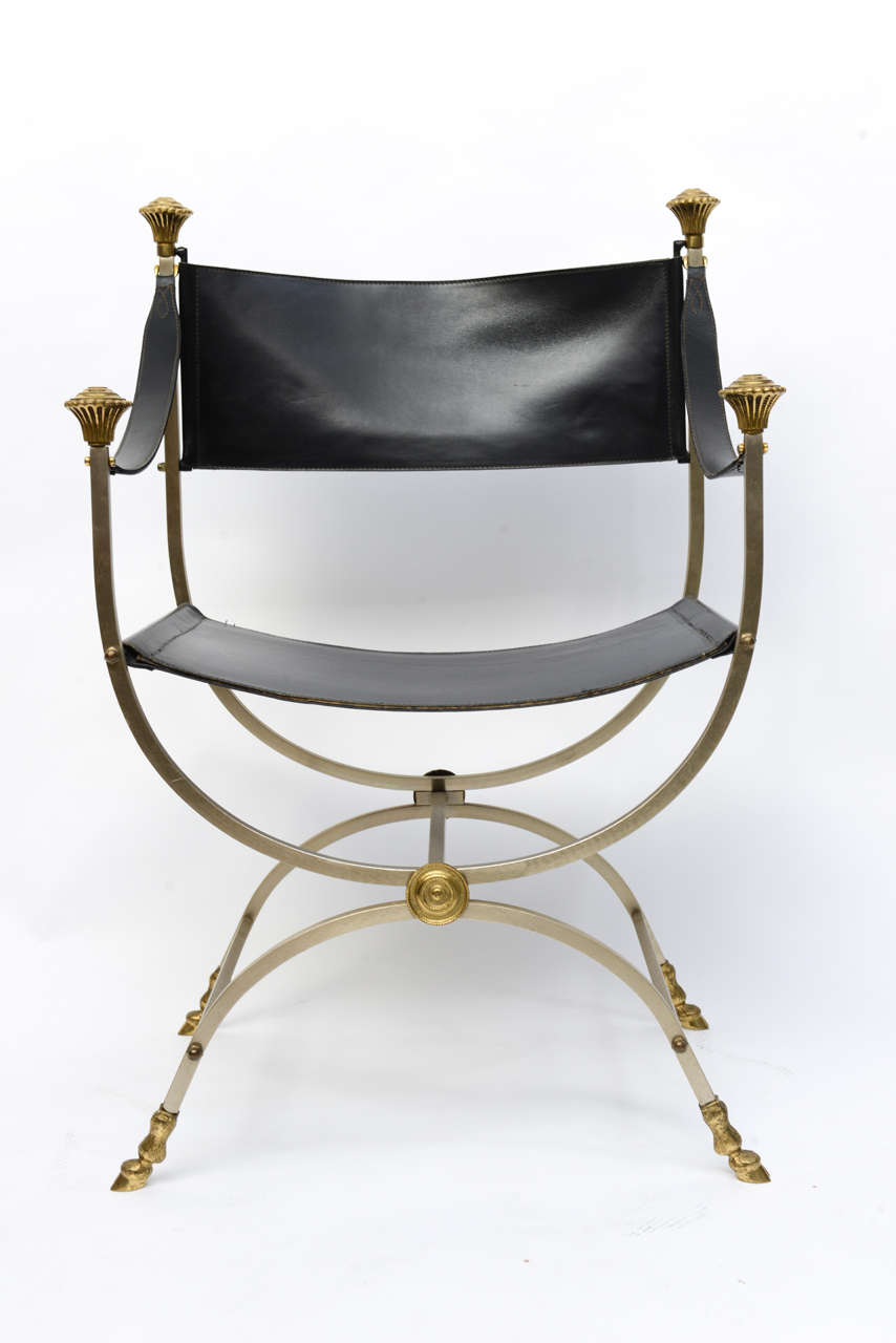 Pair of Neo Classical Style Savonarola Chairs In Good Condition For Sale In West Palm Beach, FL