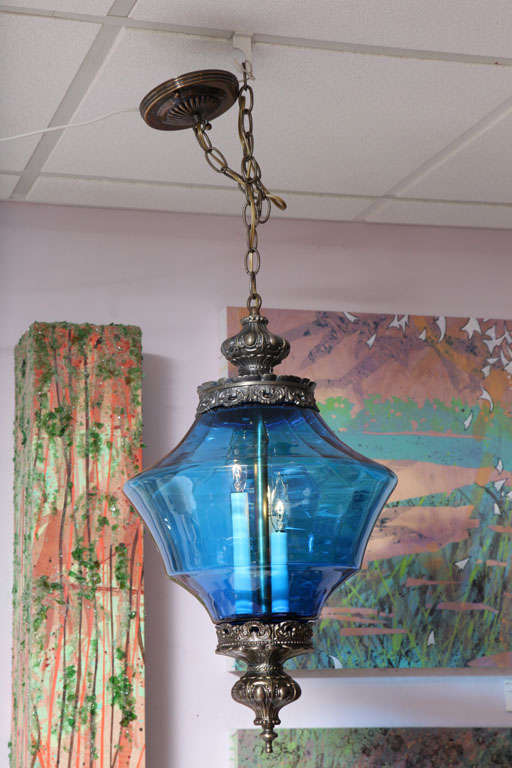 BLUE  CEILING PENDANT DRAMATIC moving sale reduction $   to 2500  from$4200 In Excellent Condition For Sale In Miami, Miami Design District, FL