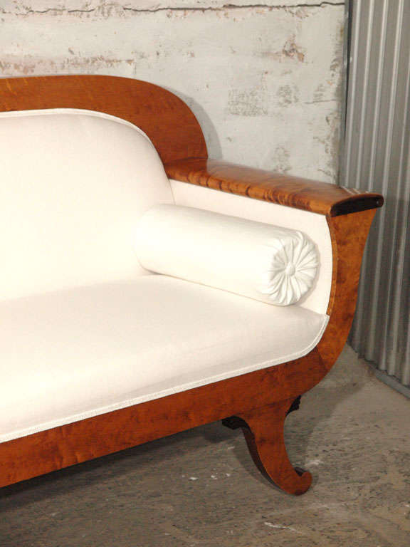 Swedish 19th Century Biedermeier Sofa with Burled Walnut and White Belgian Linen For Sale