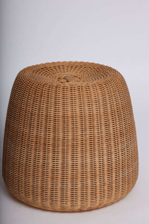 Mid-20th Century Rare Isamu Kenmochi round Chair and Table/Ottoman