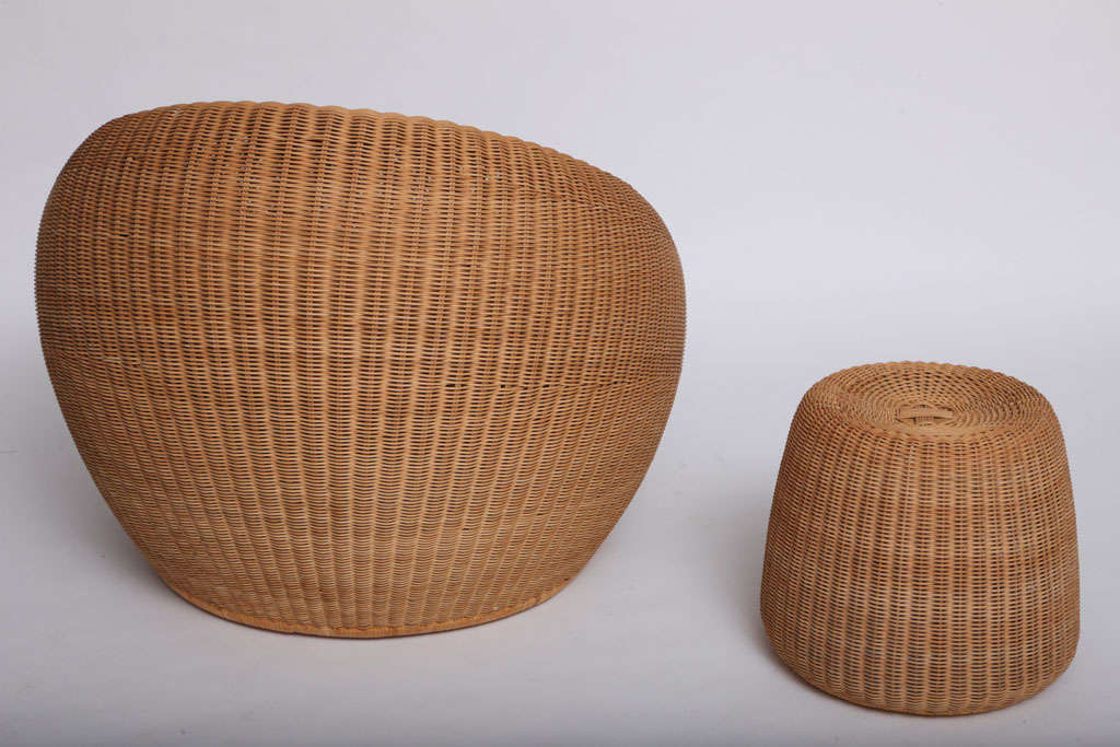 Rare Isamu Kenmochi round Chair and Table/Ottoman 3